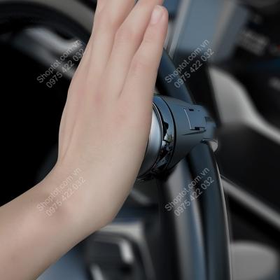 num gan vo lang dieu khien xe